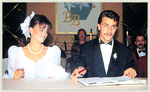 Bülent Korkmaz ve eşi Banu Korkmaz'ın nikah töreni.