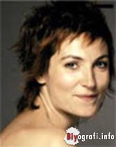 Yelda Reynaud Nude Photos 90